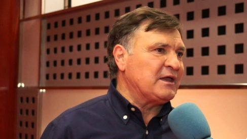 José Antonio Camacho despertó las críticas en redes sociales.