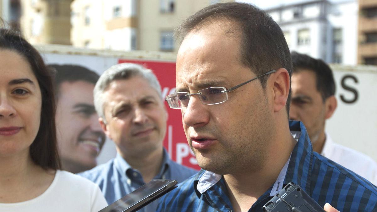 El secretario de Organización del PSOE, y candidato al Congreso por La Rioja César Luena (Foto: Efe)