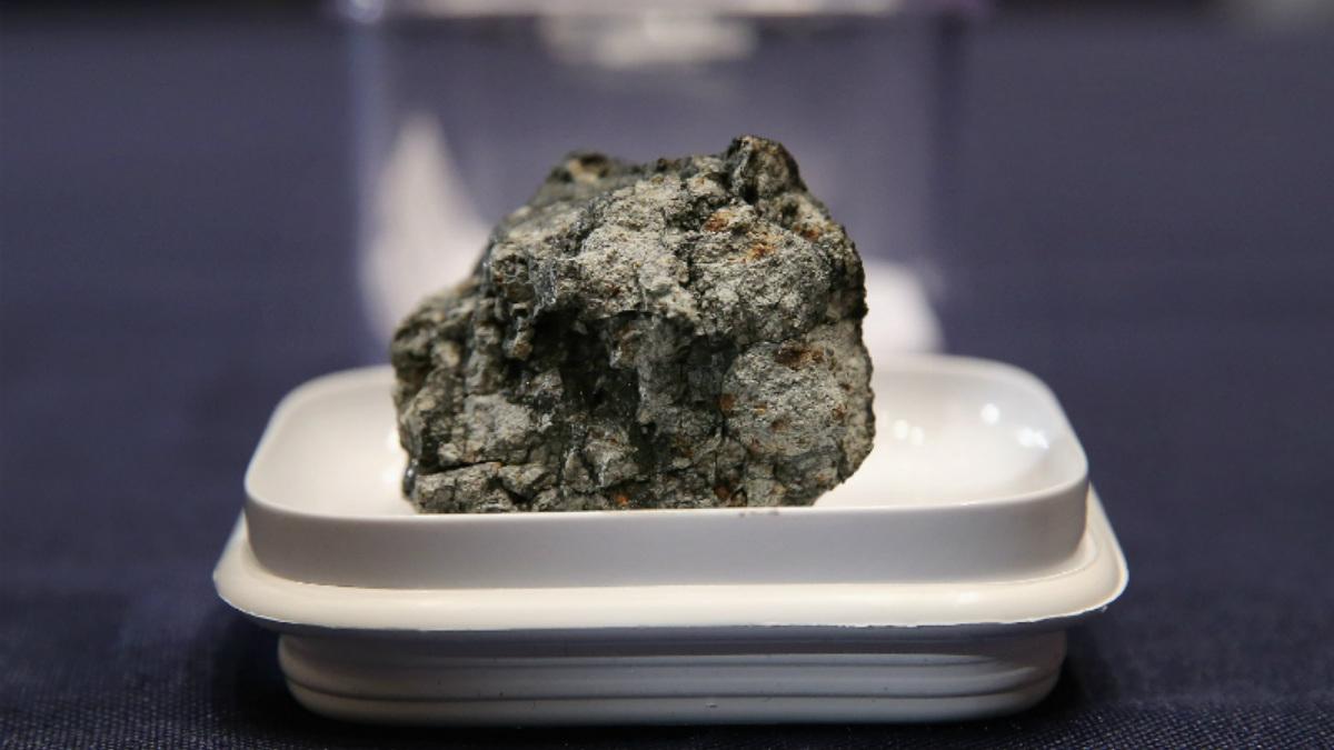 Los fragmentos de meteoritos caídos en la tierra contienen información sobre el espacio y sobre la formación del Sistema Solar. (Foto: Getty)