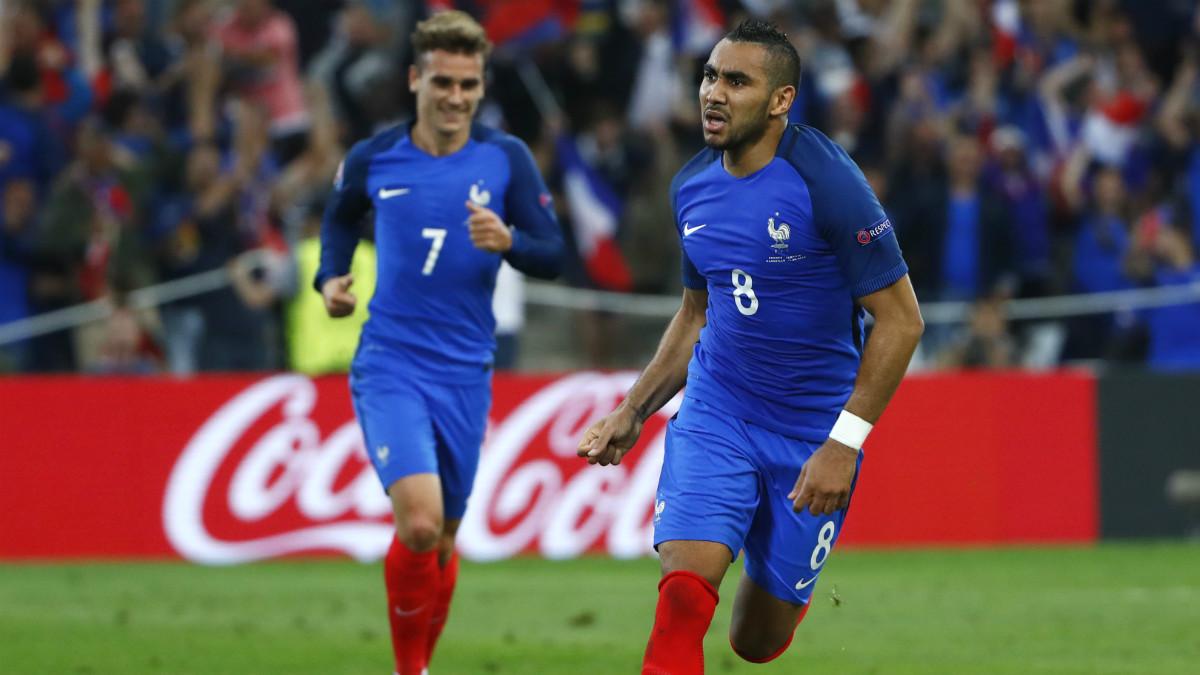 Payet y Griezmann marcaron los goles de Francia. (Reuters)