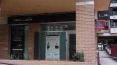 Oficina de Liberbank en Gijón (Foto:  Alberto García Fernández).