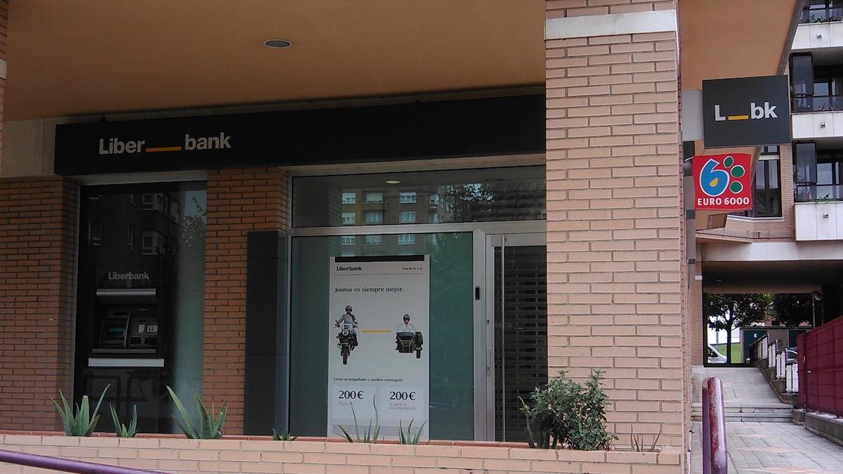 La cnmv suspende la cotizaci n de liberbank horas antes de for Oficina ryanair madrid