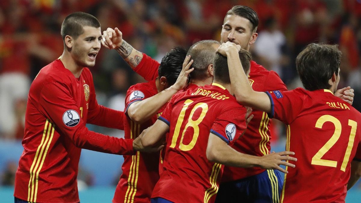 España celebra el segundo gol de Morata ante Turquía. (Reuters)