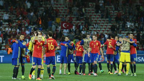 España celebra su triunfo sobre Turquía. (Getty)