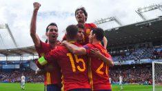 España celebra el gol ante República Checa. (Getty)