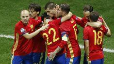 Los jugadores de España celebran un gol ante Turquía. (Reuters)