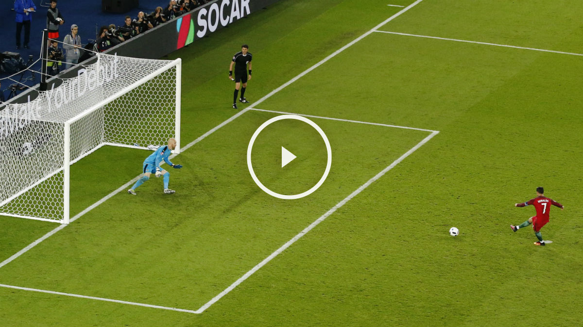 Cristiano Ronaldo lanzó el penalti al poste.