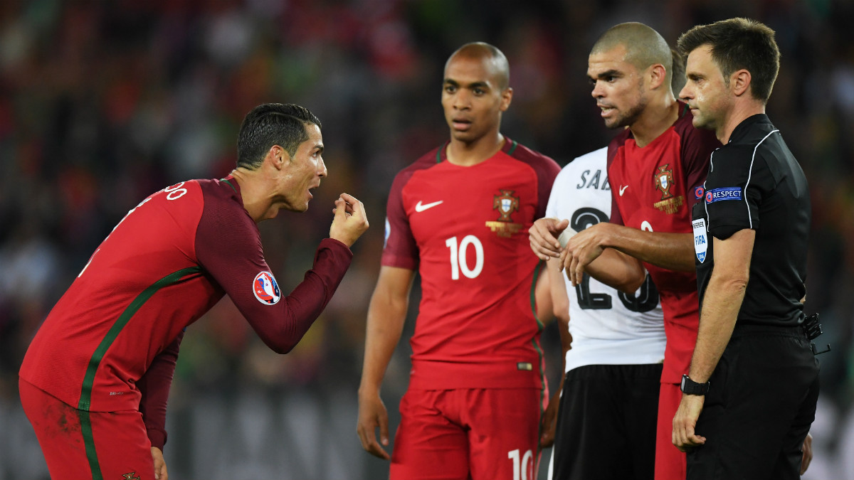 Cristiano Ronaldo y Portugal no pudieron hacer nada para evitar el penalti. (Getty)