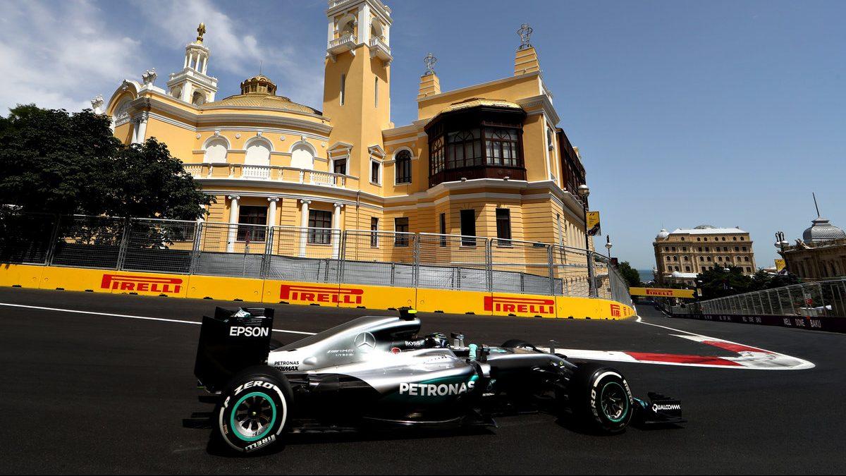 Nico Rosberg se hizo con la pole por delante de Pérez y Ricciardo (Getty)