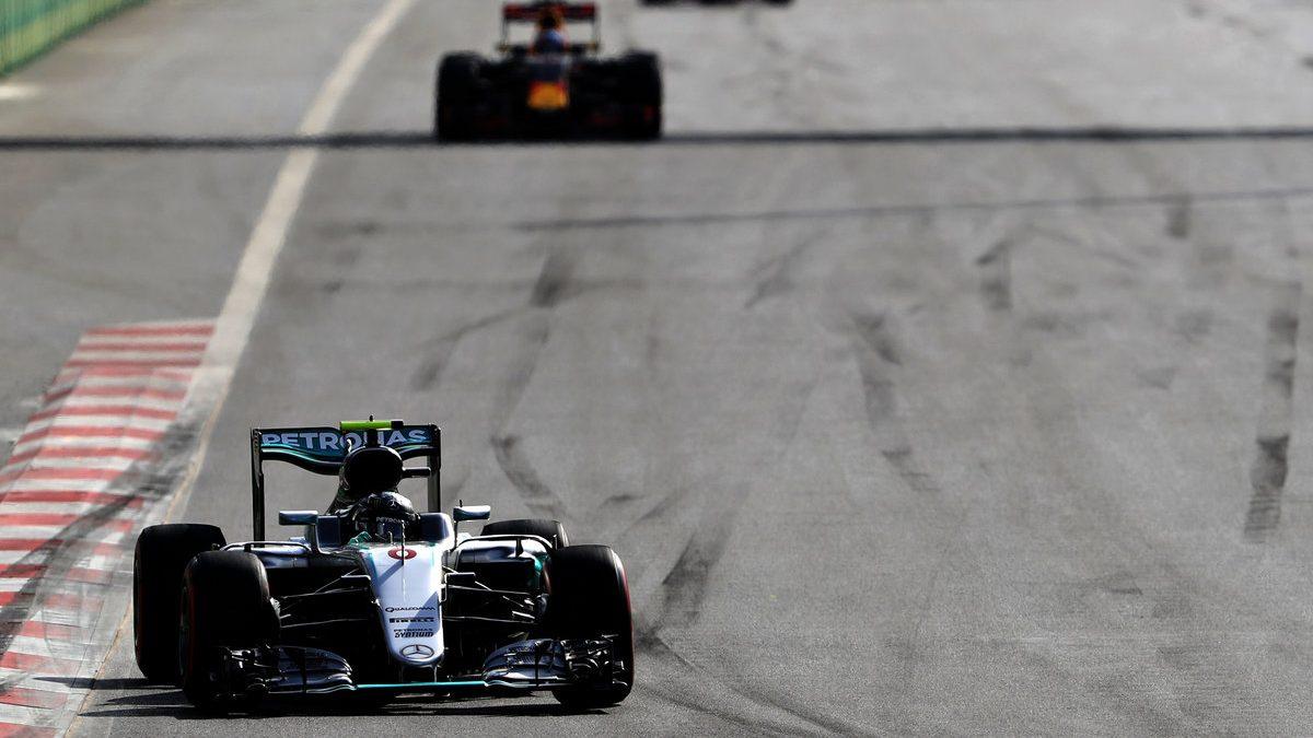 Nico Rosberg se llevó la victoria en Bakú, en un nuevo desastre de McLaren-Honda y Alonso (Getty)