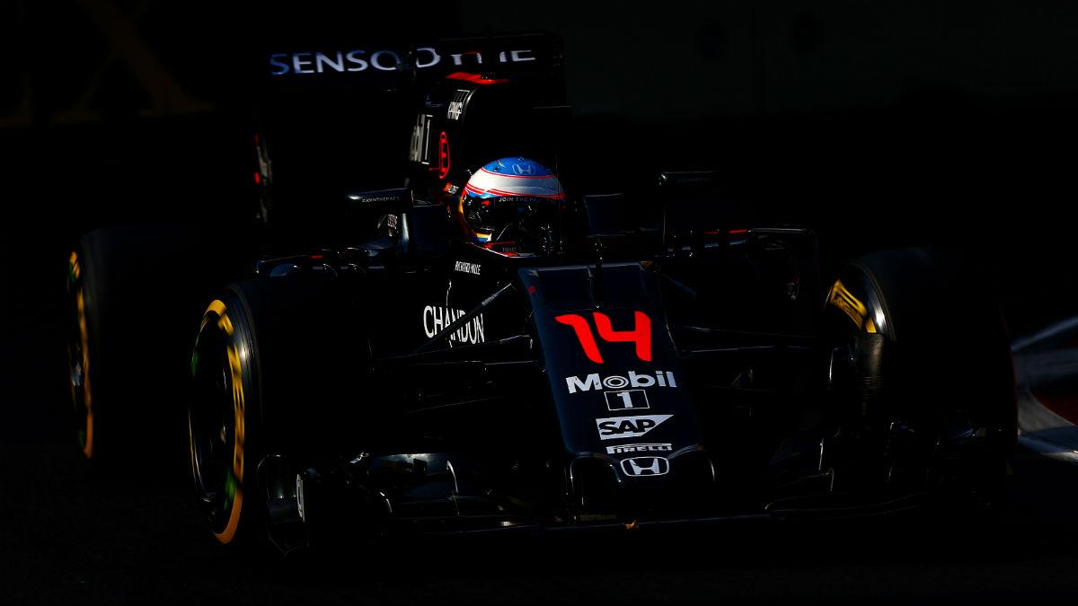 El McLaren Honda de Alonso se quedó a 26 km/h de velocidad punta del coche más rápido en Baku. (Getty)