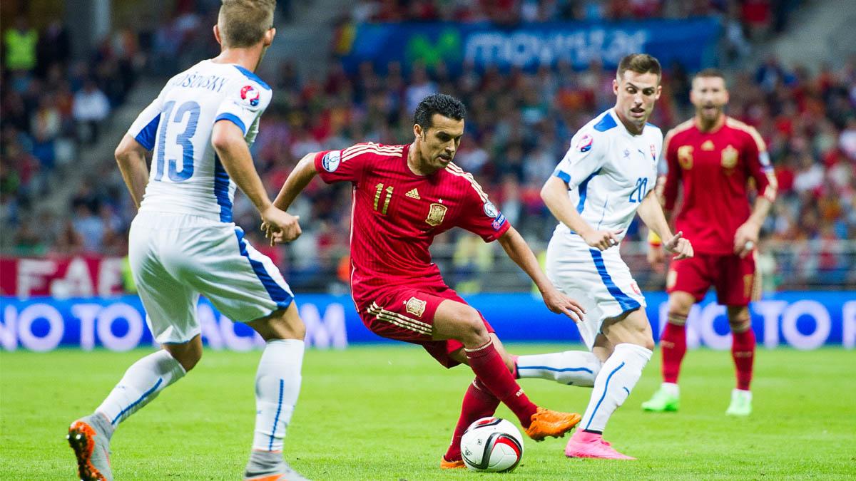 Pedro Rodríguez durante el partido ante Eslovaquia. (Foto: Getty)