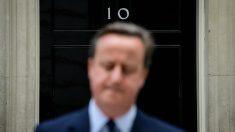 David Cameron, a las puertas de Downing Street, en su alegato contra el 'Brexit'. (AFP)