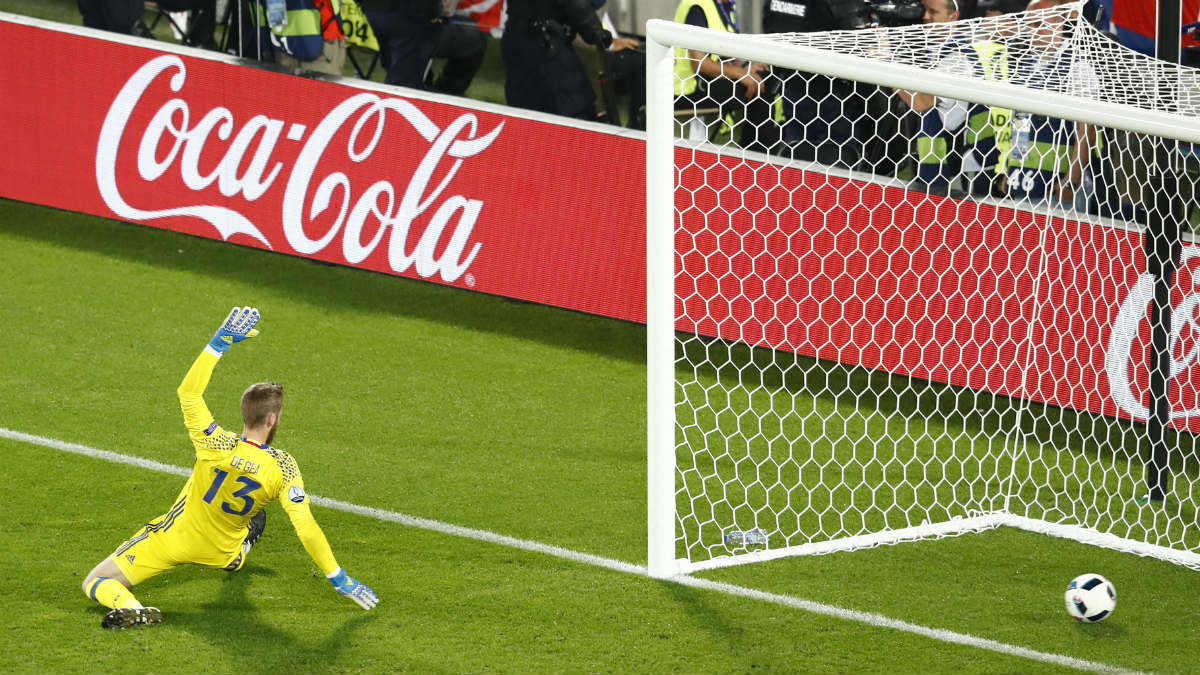 De Gea, en el momento de encajar el segundo gol de Croacia. (Reuters)