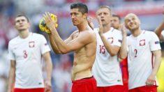 Los jugadores de Polonia celebran el pase a octavos. (Reuters)