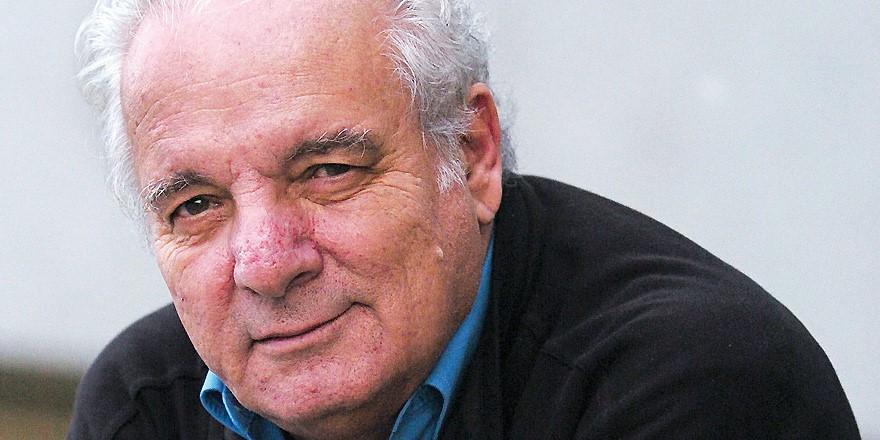 El escritor Javier Reverte