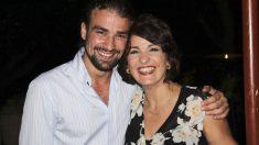 Mario Biondo junto a su madre Santina en una foto familiar.