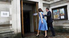 David Cameron acudió a votar con su mujer (Foto: Reuters)