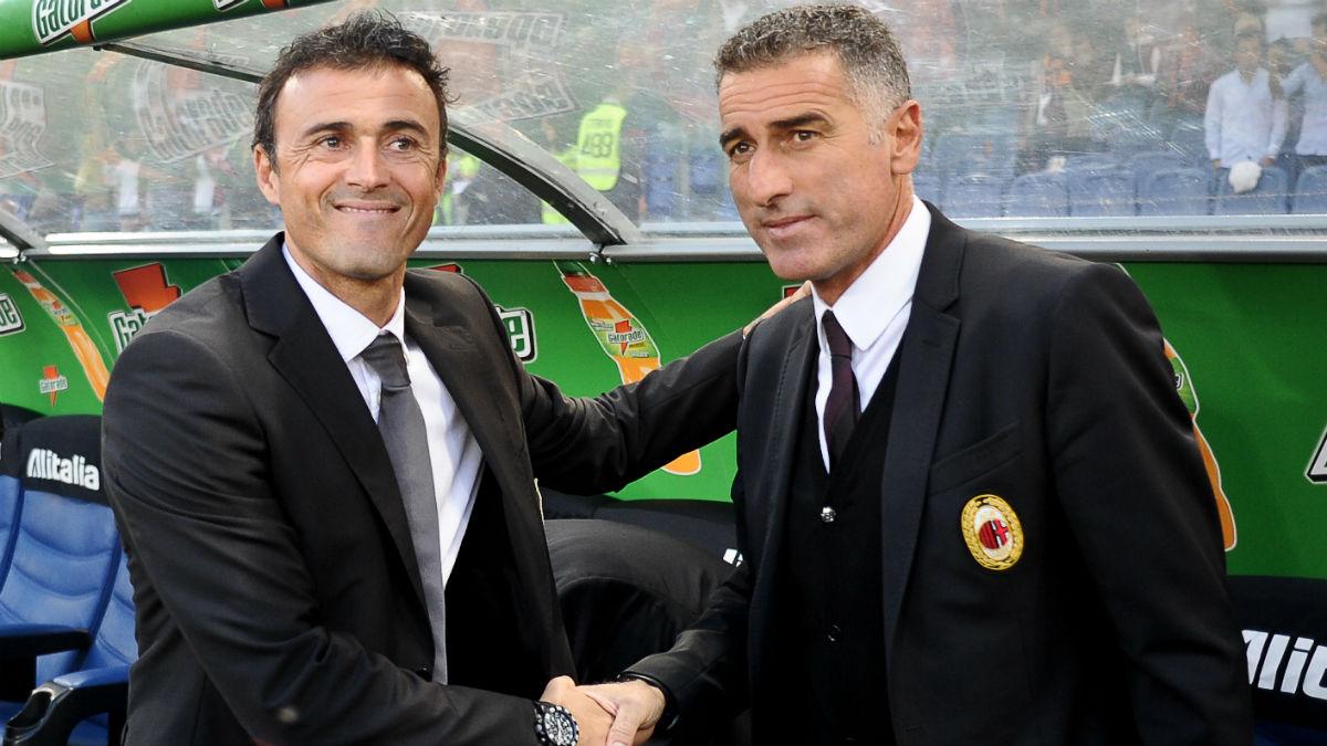 Tassotti saluda a Luis Enrique en San Siro. (AFP)