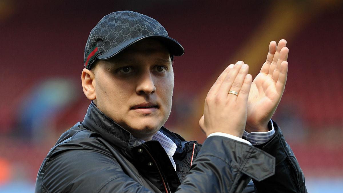 Petrov fue homenajeado en el partido contra el Chelsea. (Getty)