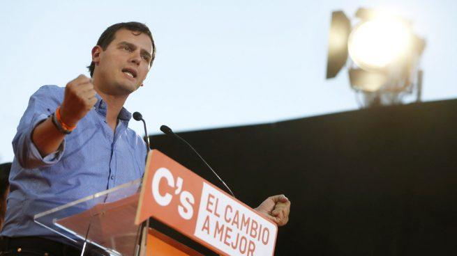 Albert Rivera se presenta como la opción que «desbloqueará el Gobierno» y apostará «por construir Europa»