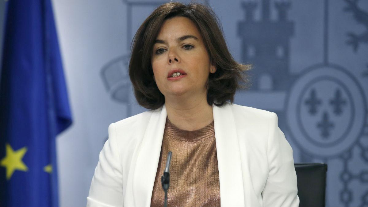 Soraya Sáenz de Santamaría en la rueda de prensa del Consejo de Ministros. (Foto: EFE)