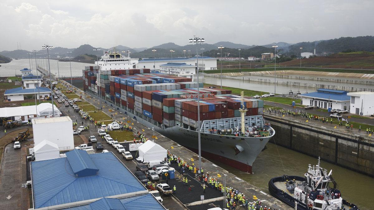 Un gigantesco navío chino fue el primero en atravesar los 80 km de la nueva vía que une el Mar Caribe con el Pacífico. (Foto: AFP)