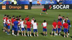 Los jugadores de la selección, en un entrenamiento. (Reuters)