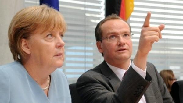 Gunter Krichbaum, junto a la canciller Angela Merkel. (Bundestag)
