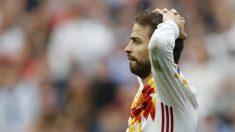 Piqué, desolado tras fallar una ocasión de gol ante Italia. (Reuters)
