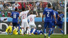 Chiellini adelantó a Italia. (Reuters)