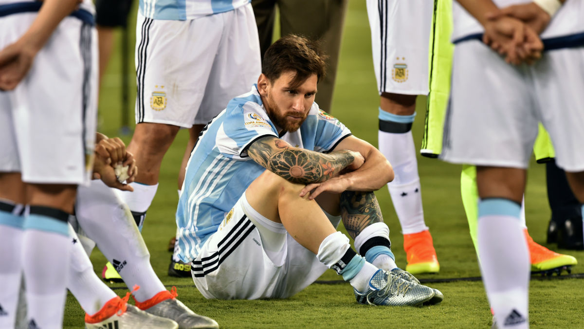 Messi, abatido tras perder la Copa América. (AFP)