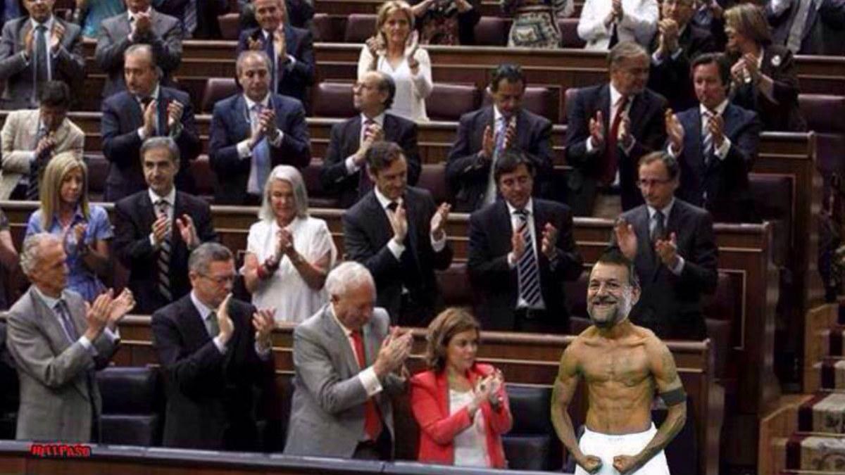 Un divertido meme en el que Rajoy se convierte en un orgulloso Balotelli vitoreado por el resto de diputados.