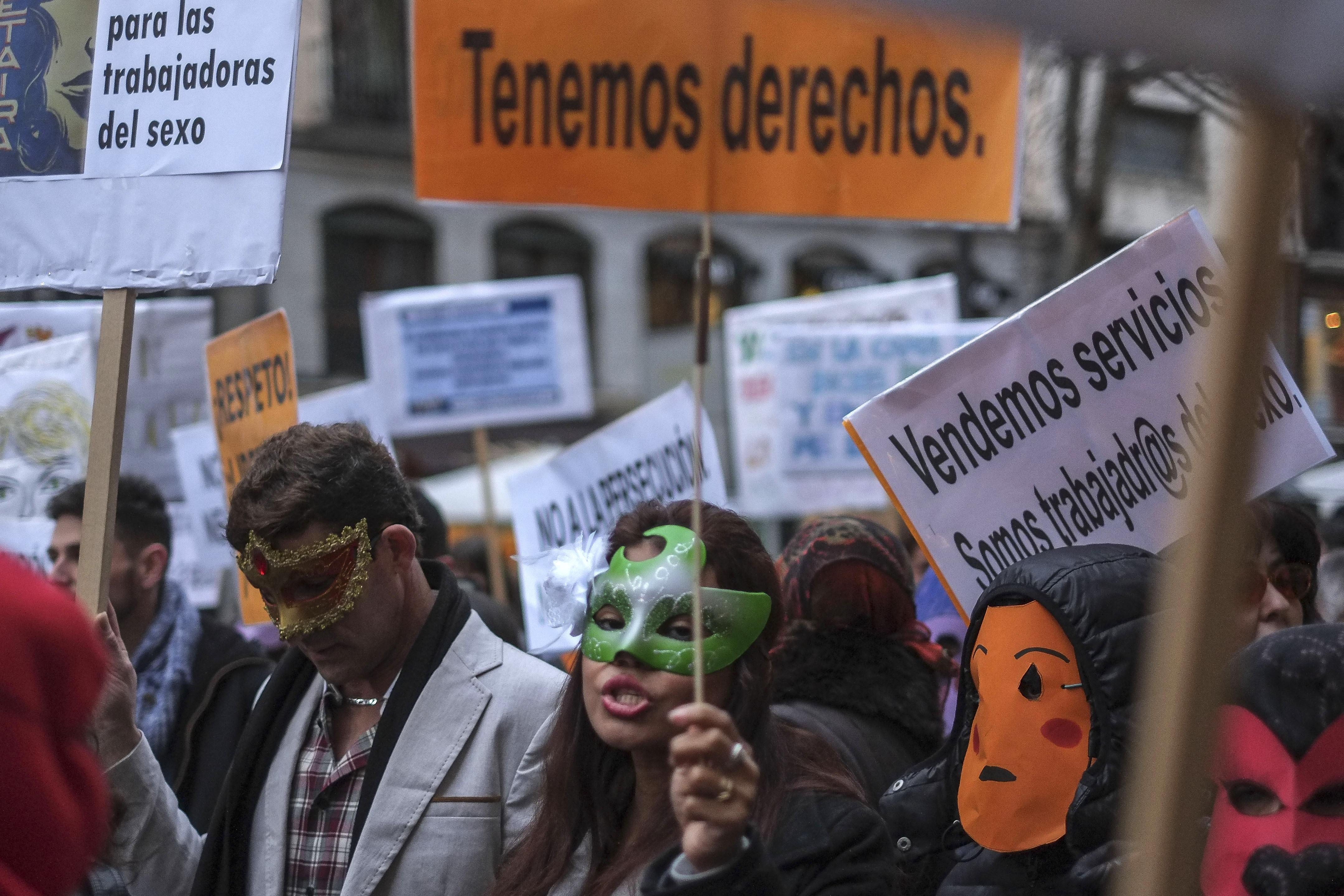 Manifestación de prostitutas en Madrid. (Foto: AFP)