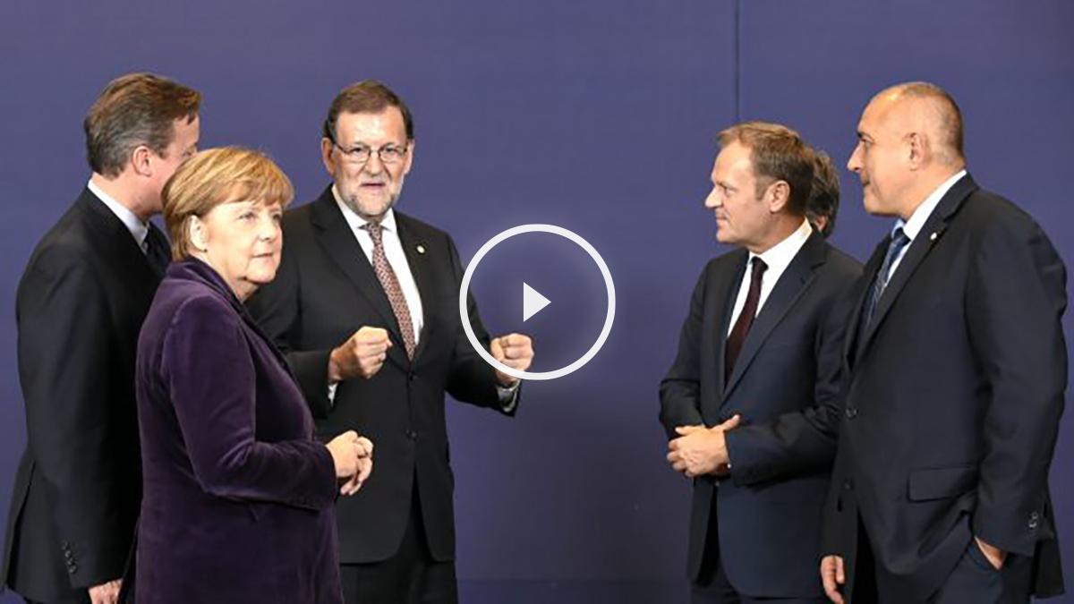 Rajoy, junto a Cameron y Merkel, entre otros (Foto: AFP).