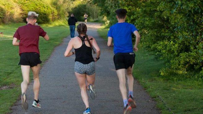 5 beneficios de correr en grupo