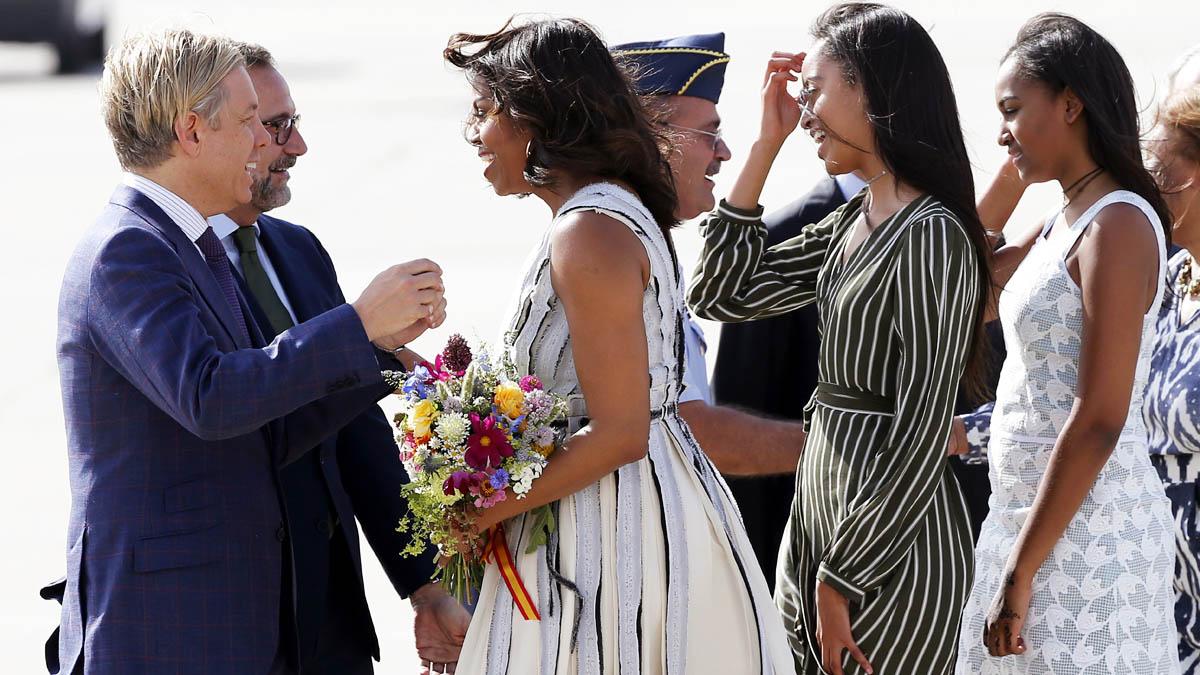 Michelle Obama a su llegada al aeropuerto de Torrejón (Foto: EFE)