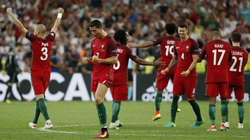 Cristiano Ronaldo celebra el pase de Portugal a semifinales. (Reuters)