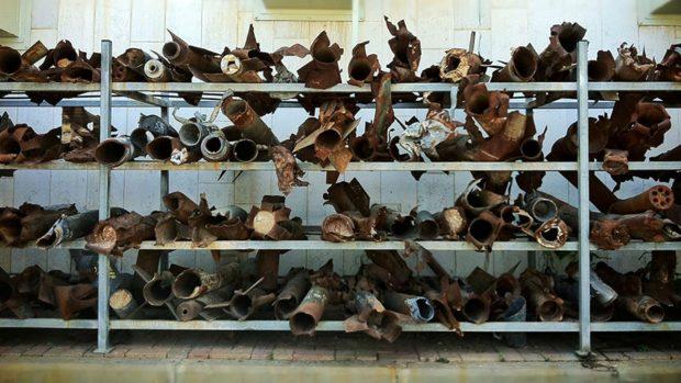 10junio2014-Museo-de-cohetes-lanzados-por-Hamás-en-la-comisaría-de-Sderot-2_550