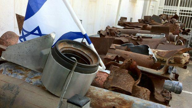 10junio2014-Museo-de-cohetes-lanzados-por-Hamás-en-la-comisaría-de-Sderot_550