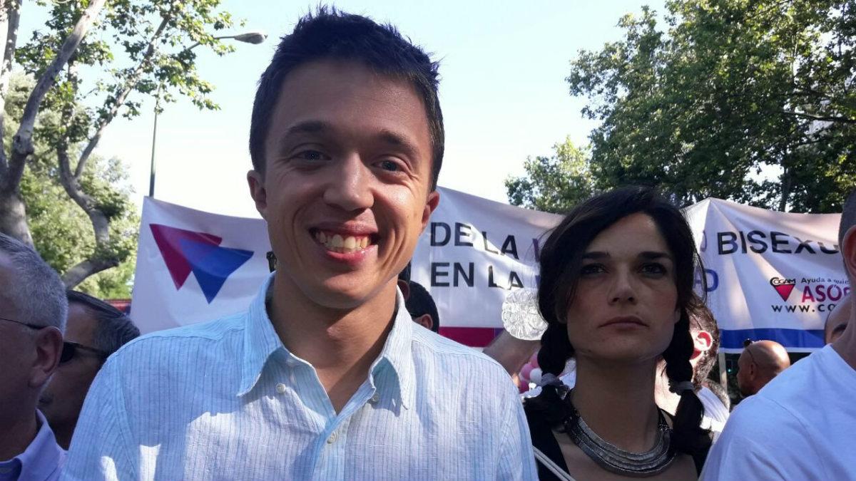 Íñigo Errejón y la secretaria de Igualdad de Podemos, Clara Serra. (TW)