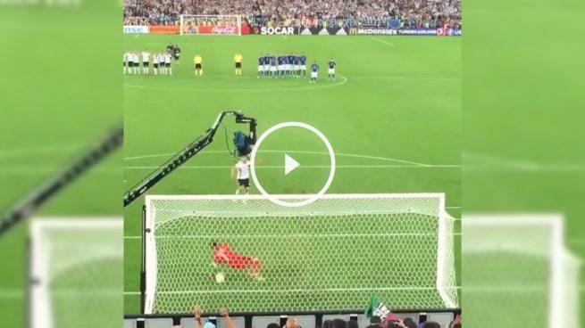 Así se vivió el penalti decisivo desde detrás de la portería de Buffon