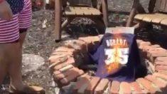 Los aficionados quemaron las camisetas de Kevin Durant.