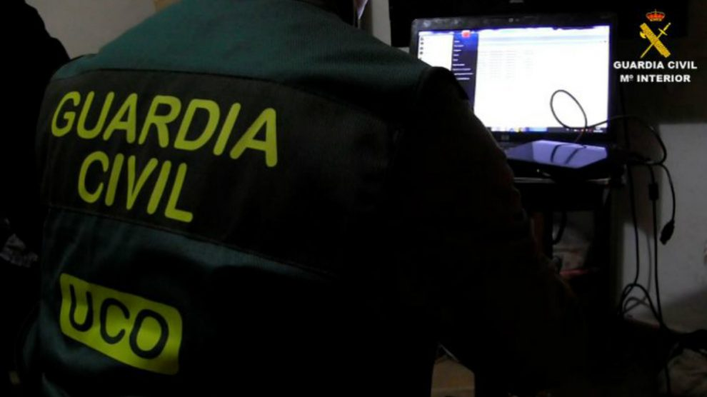 Agentes de la UCO de la Guardia Civil (Foto: GC)