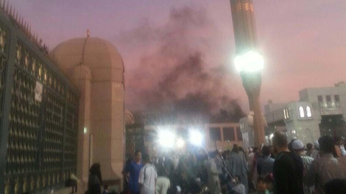 Explosión en la Mexquita del Profera, en Medina (Arabia Saudí). Foto: Reuters