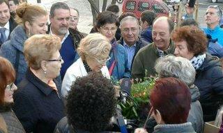 Carmena de visita en el distrito con miembros de RSP Latina Carabanchel. (Foto: RSP)