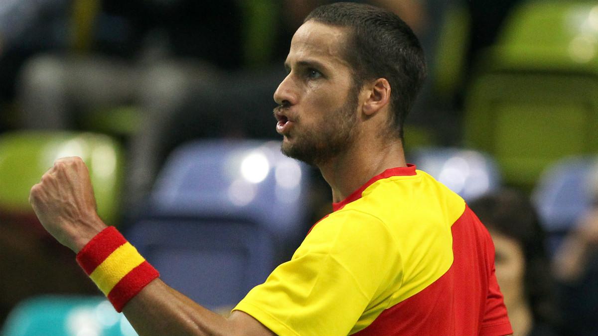 Feliciano López durante un partido de Copa Davis con España. (AFP)