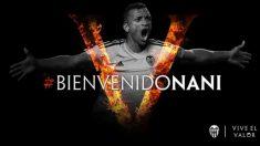 El Valencia da la bienvenida a Nani. (valenciacf.com)