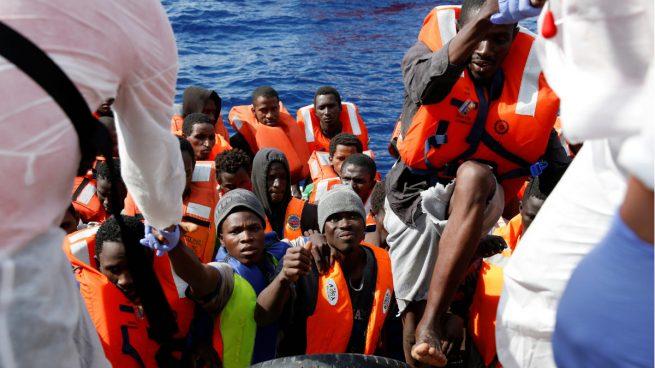 Una milicia armada impide la salida de barcos con migrantes desde Libia
