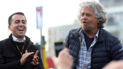 Luigi di Maio junto a Beppe Grillo, líderes del Movimiento 5 Estrellas italiano que apuesta por la salida del euro.